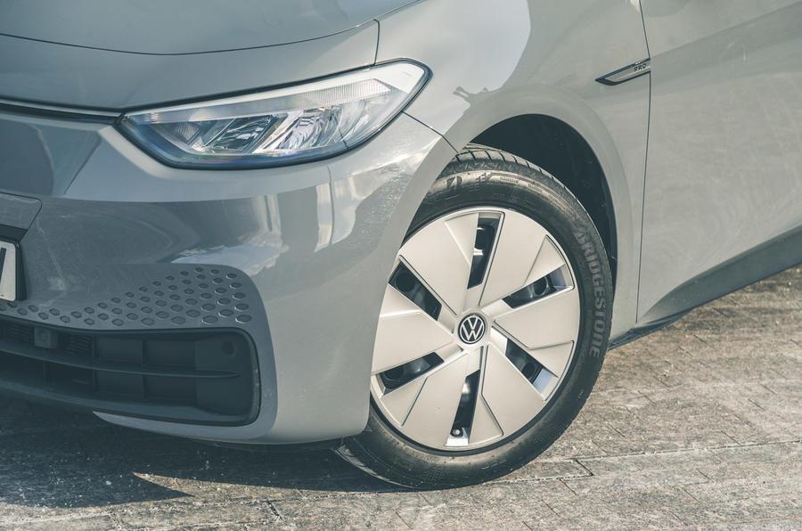 6 VW ID 3 2021 essai routier roues en alliage