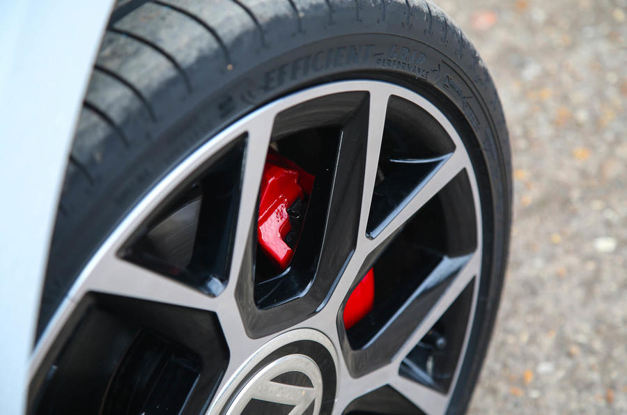 Volkswagen Up GTI 2018 review brake calipers
