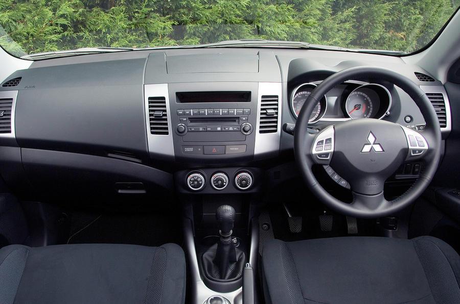 Mitsubishi Outlander 2.0 SE
