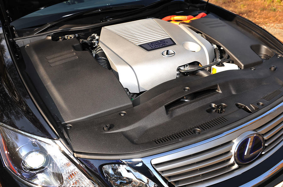 Lexus GS450h hybrid engine