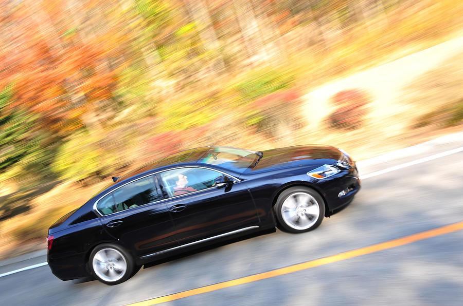 Lexus GS450h side profile