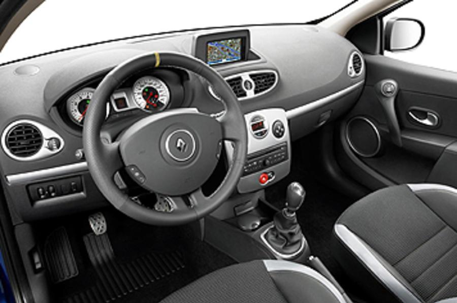 Renault Clio GT 128 dashboard