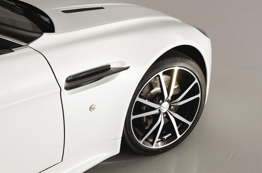 Aston Martin V8 Vantage alloys