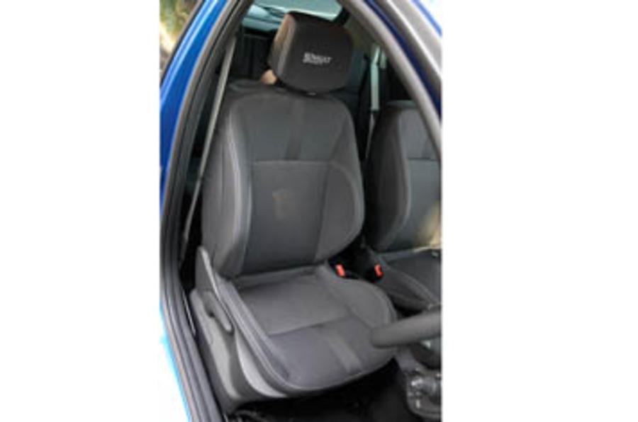 Renault Clio 2.0 Renaultsport 197