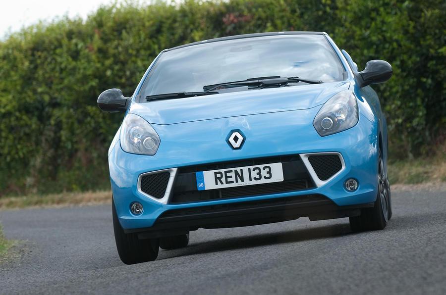 Renault Wind cornering