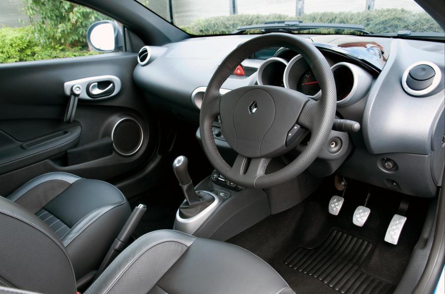 Renault Wind interior