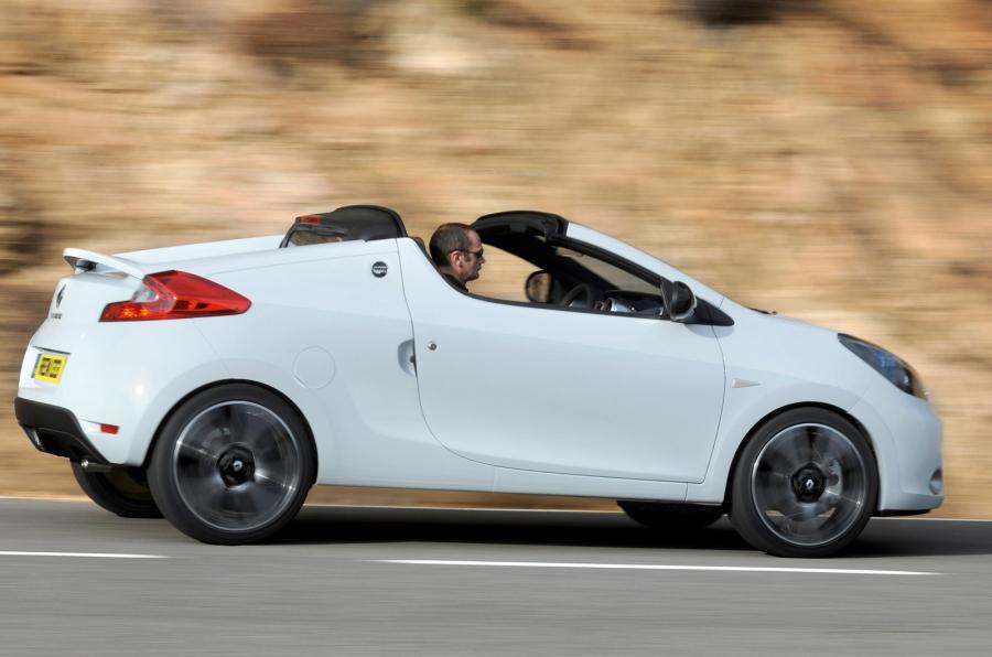 Renault Wind with the roof down