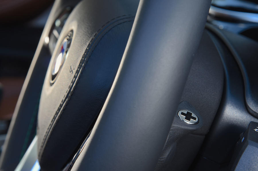 Alpina D5 S review gearshifters