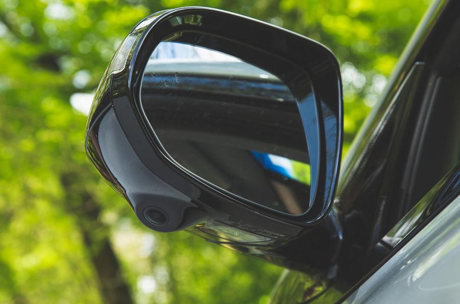 Hyundai Nexo 2019 road test review - wing mirror