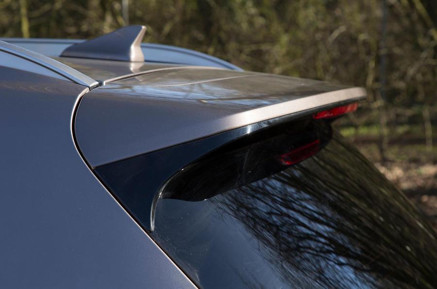 Hyundai Santa Fe 2019 road test review - spoiler