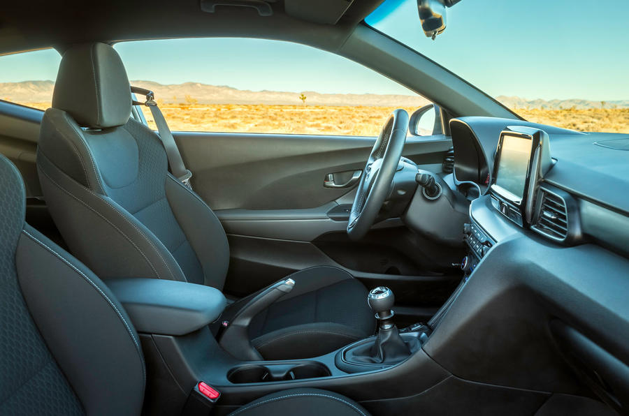 Hyundai Veloster N 2018 review - cabin