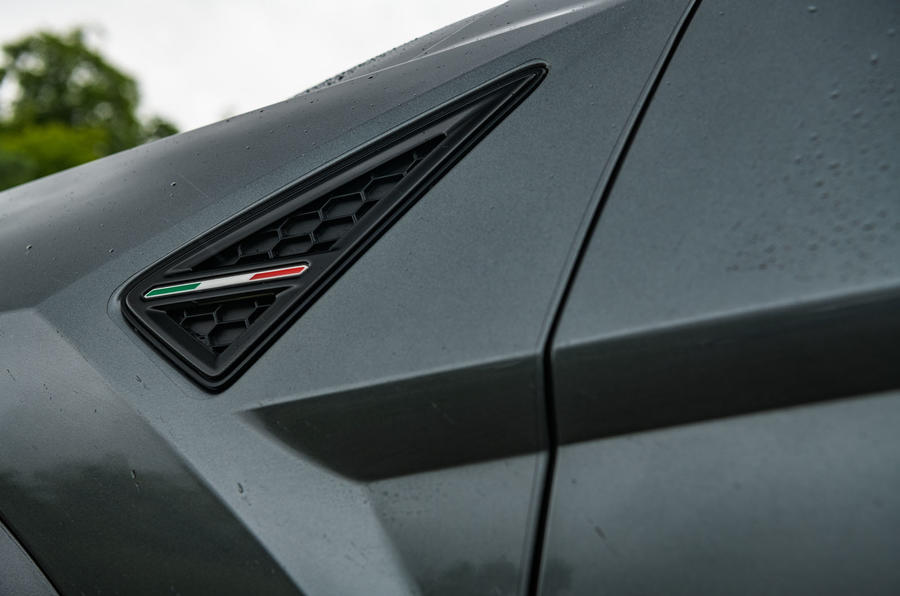 Lamborghini Urus 2019 road test review - Italian flag