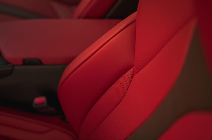 Lexus UX 2018 road test review - interior trim