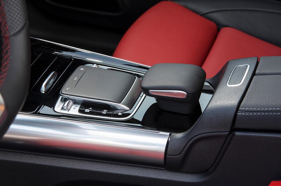 Mercedes-Benz B-Class review - centre console