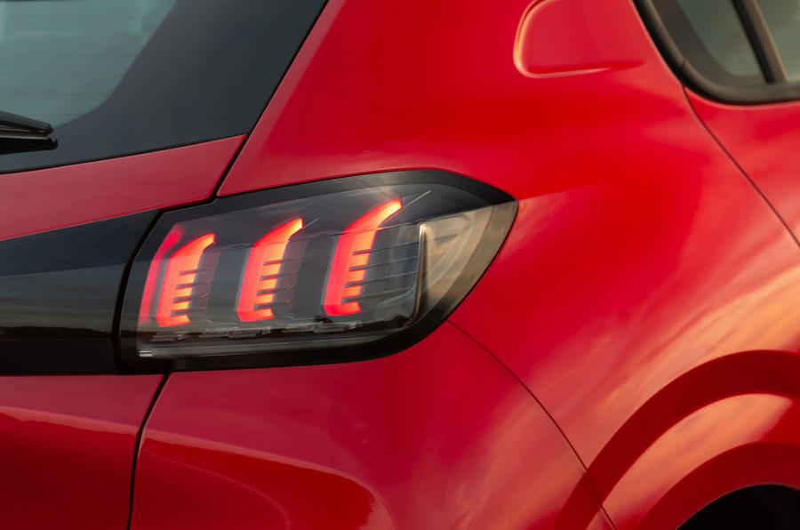 Peugeot 208 2020 road test review - rear lights