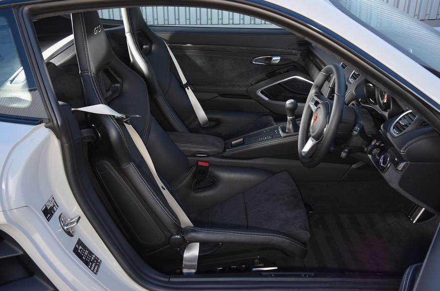 Porsche 718 Cayman GTS interior