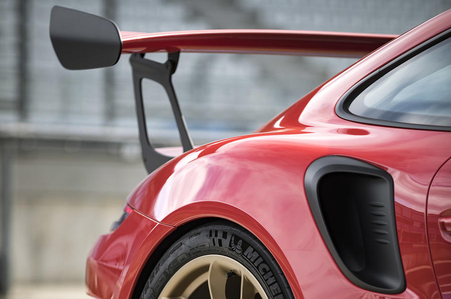 Porsche 911 GT3 RS 2018 review rear end