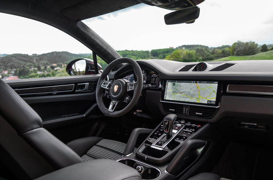 Porsche Cayenne Coupé 2019 review - dashboard