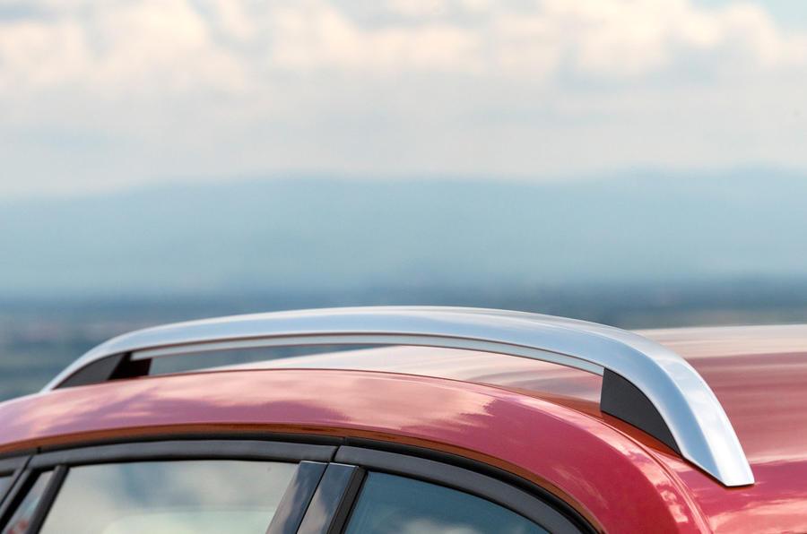 Skoda Kamiq 2019 road test review - roof rails