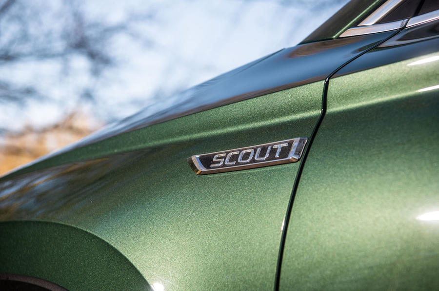 Skoda Karoq Scout 2019 road test review - front quarter