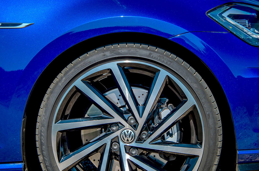 Volkswagen Golf R 2019 road test review - alloy wheels