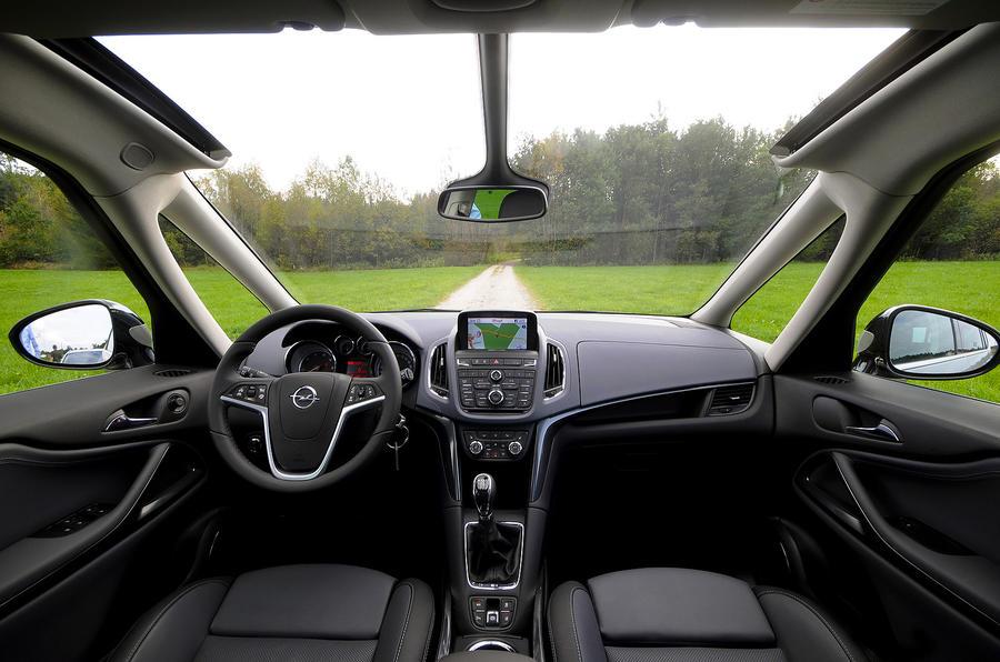 Vauxhall Zafira Tourer dashboard
