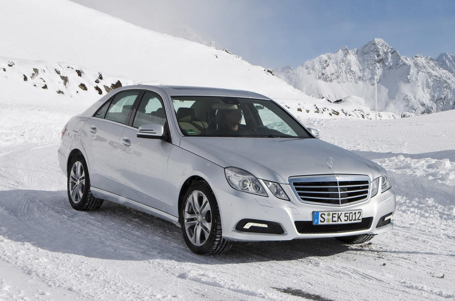 Mercedes-Benz E350 4Matic front quarter