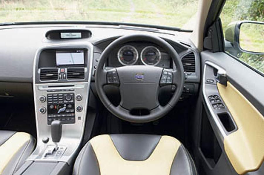 Volvo XC60 2.4D SE