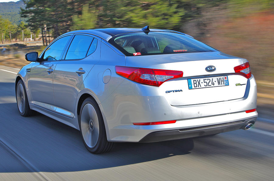 Kia Optima 1.7 CRDi rear