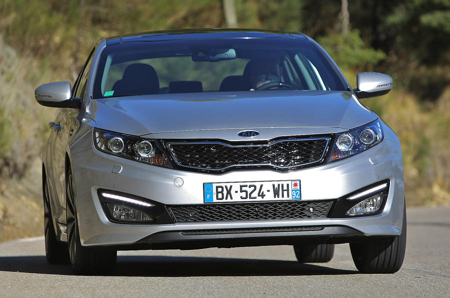 Kia Optima 1.7 CRDi cornering
