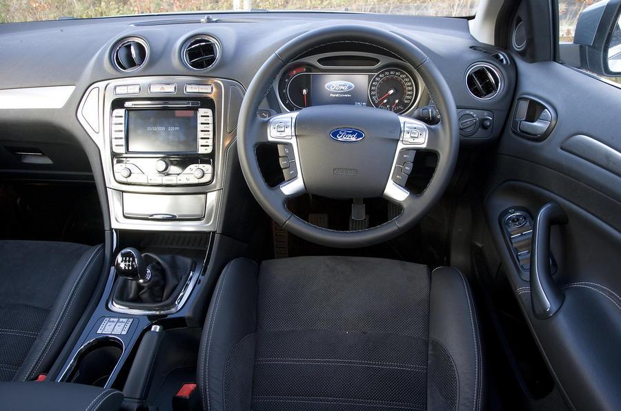 Ford Mondeo Estate dashboard