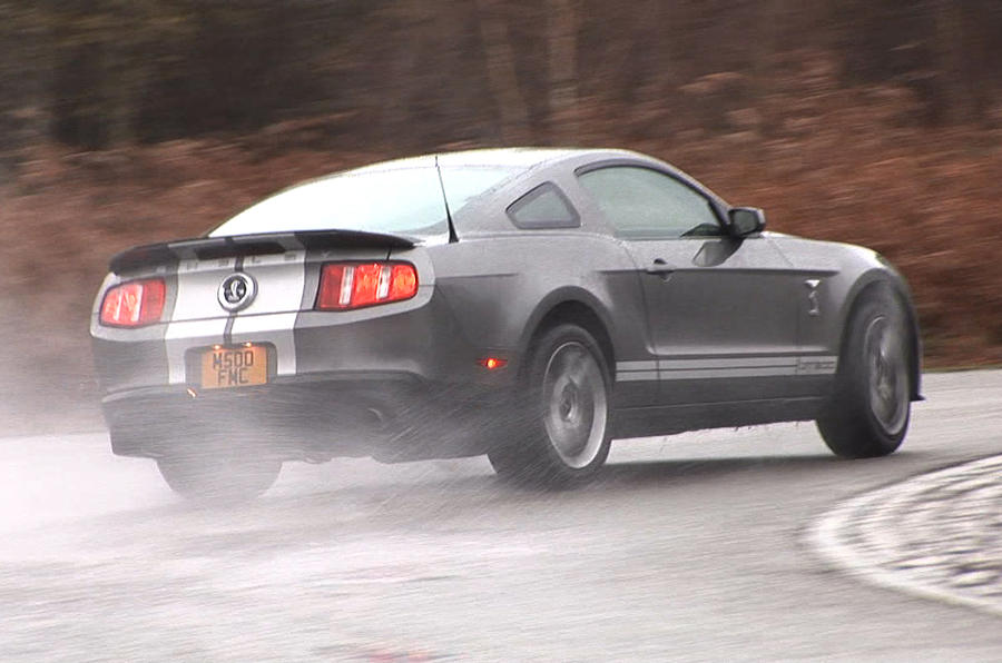 Ford Mustang Shelby GT500 rear cornering