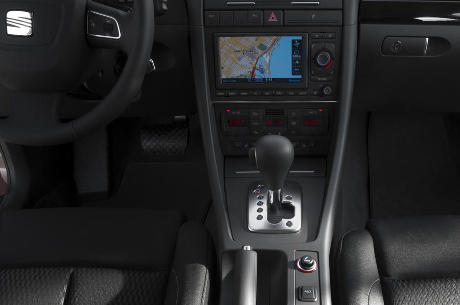 Seat Exeo centre console