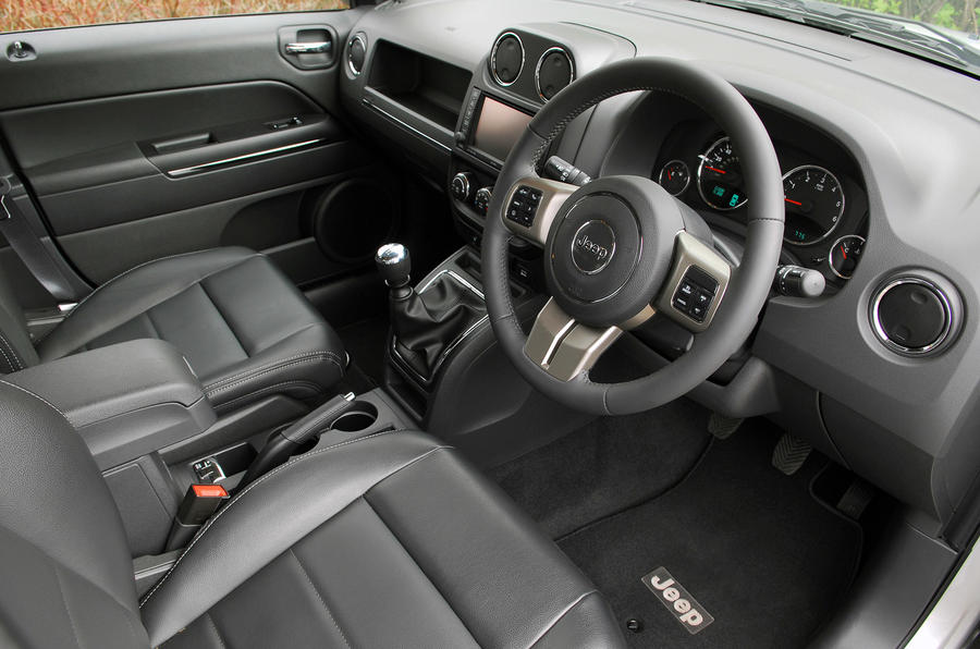 Jeep Compass 2.2 CRD interior