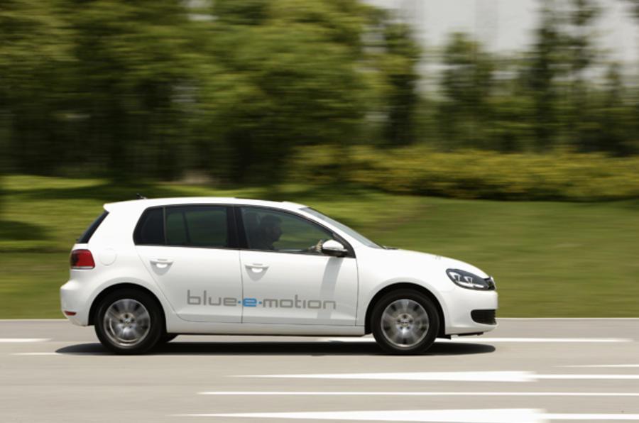 Volkswagen Golf blue-e-motion side profile