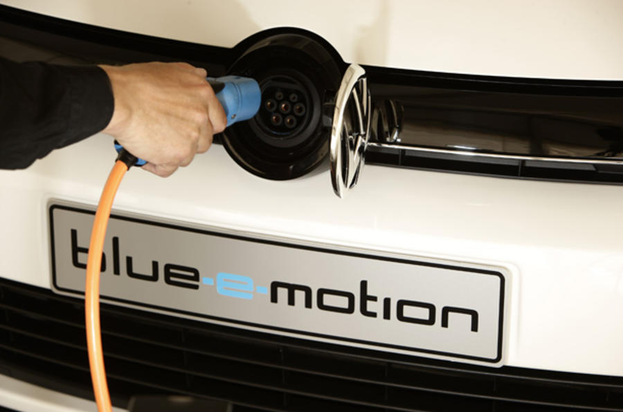 Charging the Volkswagen Golf blue-e-motion