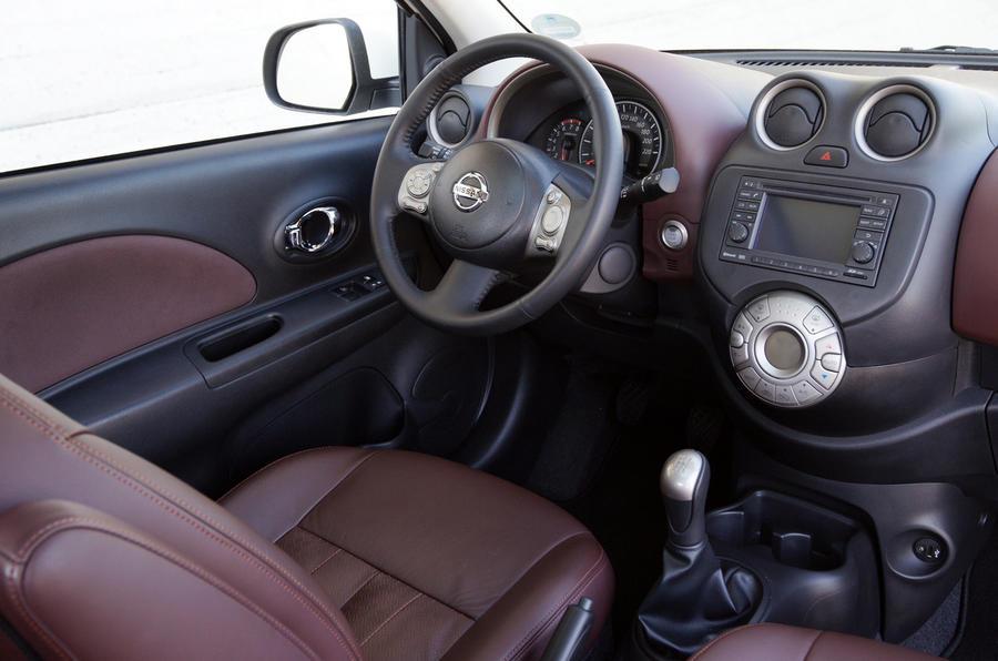 Nissan Micra DIG-S dashboard