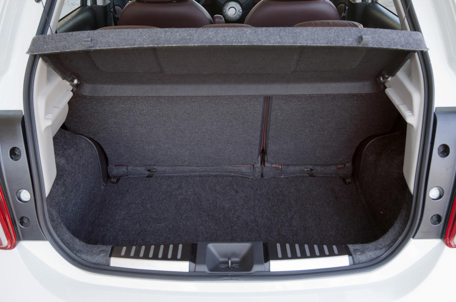 Nissan Micra DIG-S boot space