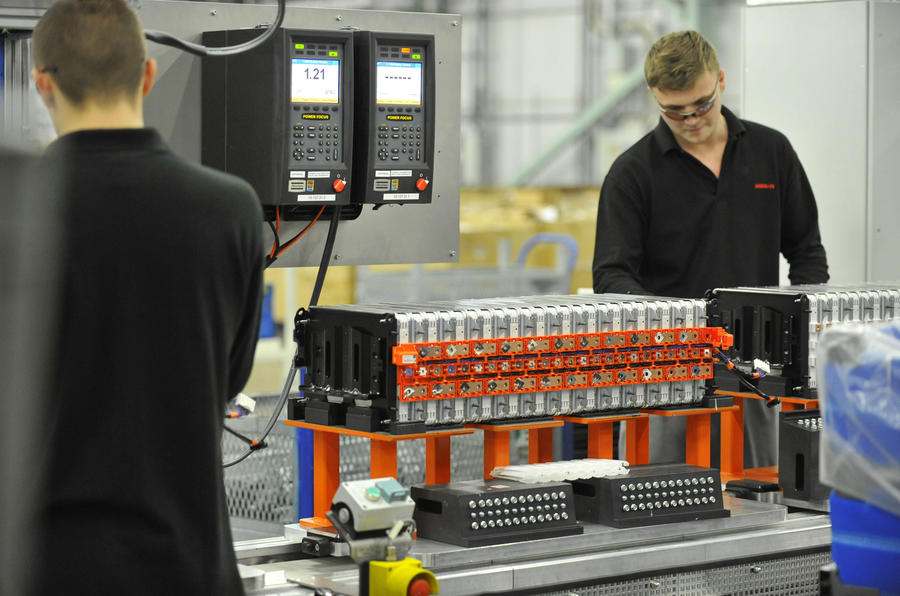 Nissan announces UK battery pricing EMBARGOED Monday 8th Dec 00:01