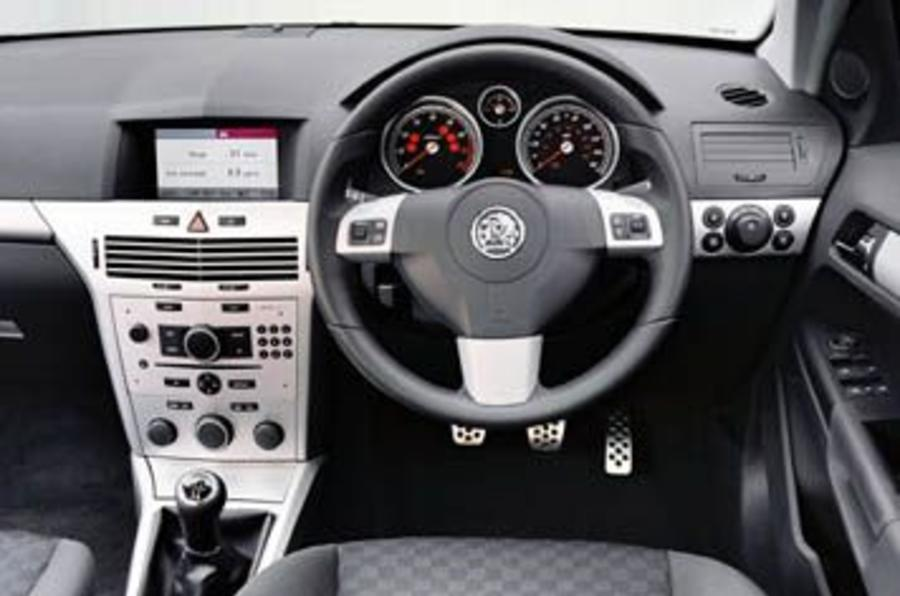 Vauxhall Astra 1 9 Cdti Review Autocar