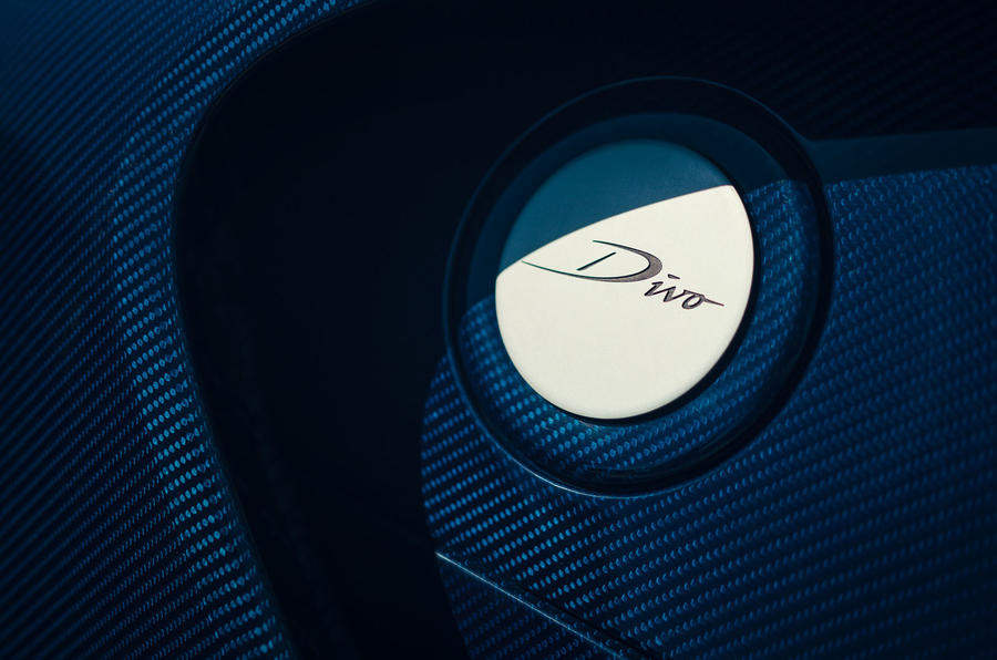 Bugatti Divo 2020 road test review - fuel cap
