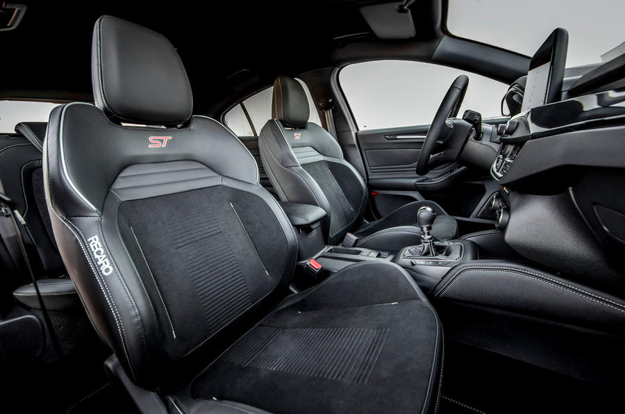 Ford Focus ST 2019 review - cabin