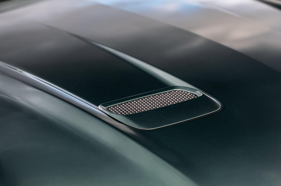 Ford Mustang Bullitt 2018 road test review - bonnet vent