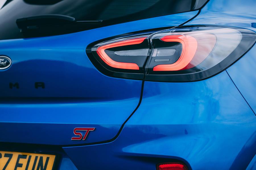8 Ford Puma ST 2021 : essai routier des feux arrière