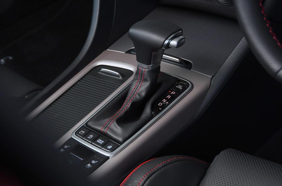 Kia Optima Sportswagon 2018 review - gearstick