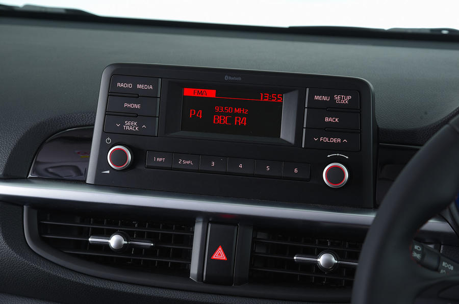 Kia Picanto review infotainment
