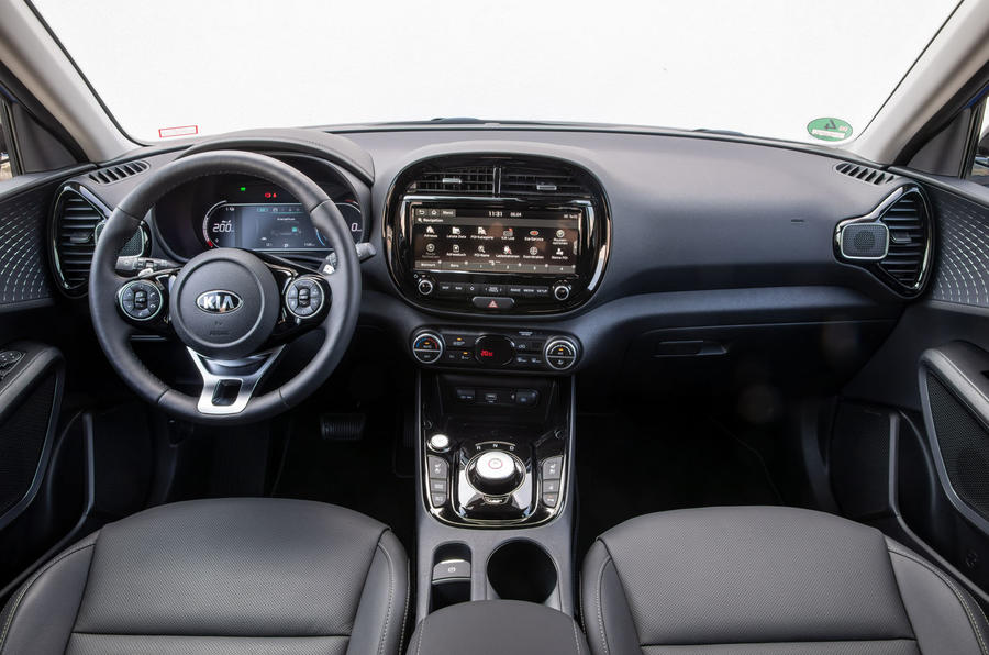 Kia Soul EV 2019 European first drive - dashboard