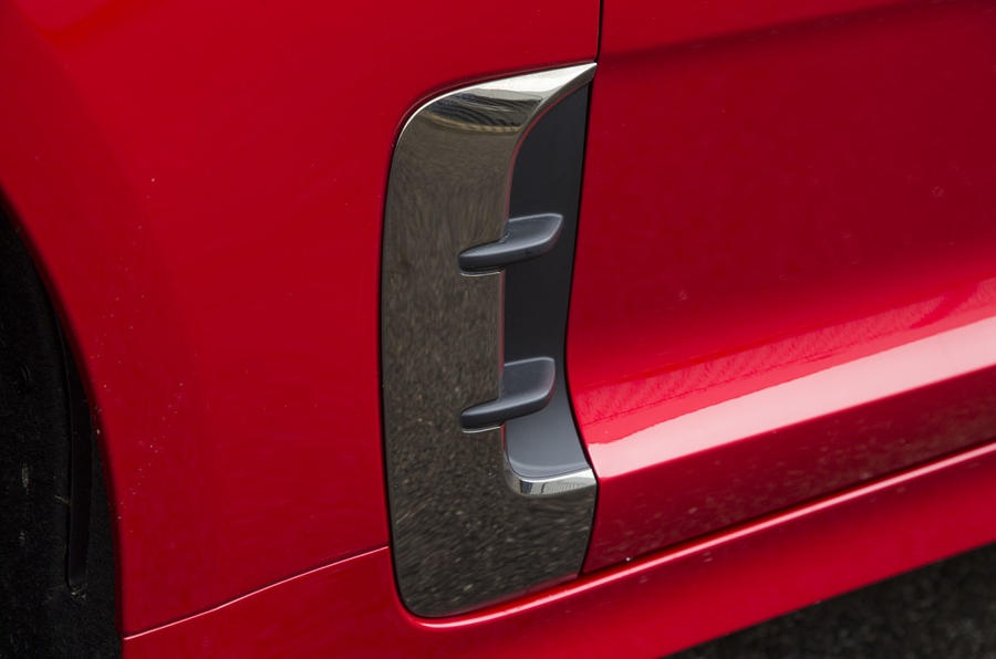Kia Stinger GT line 2018 review side panel air vent