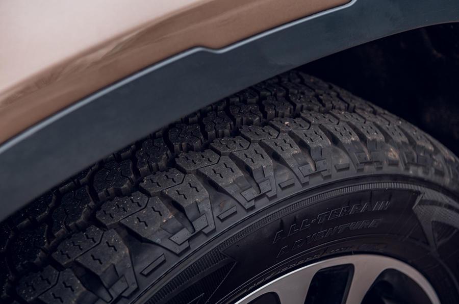 Land Rover Defender 2020 : examen des essais routiers - pneus