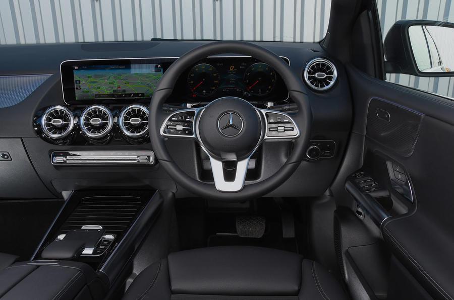 Mercedes-Benz B-Class 2019 road test review dashboard